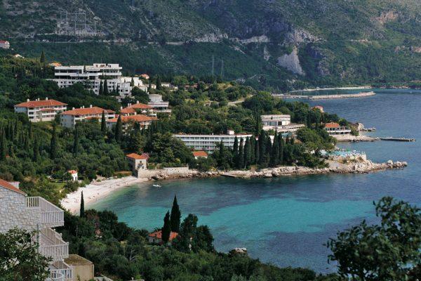 Plat-Hotels-&-Villas-(2)