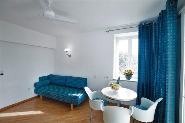 Triple sofa 2